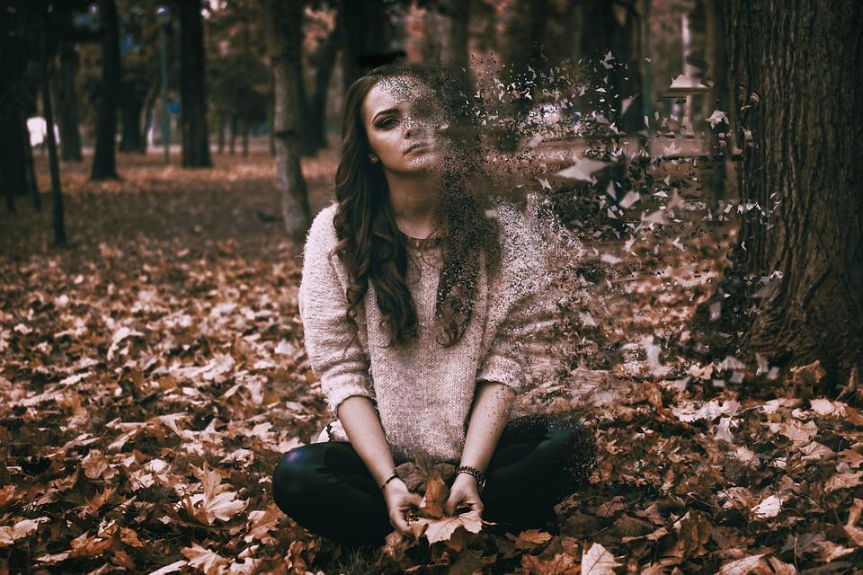 Tanker, stress, depression, kvinde i skov