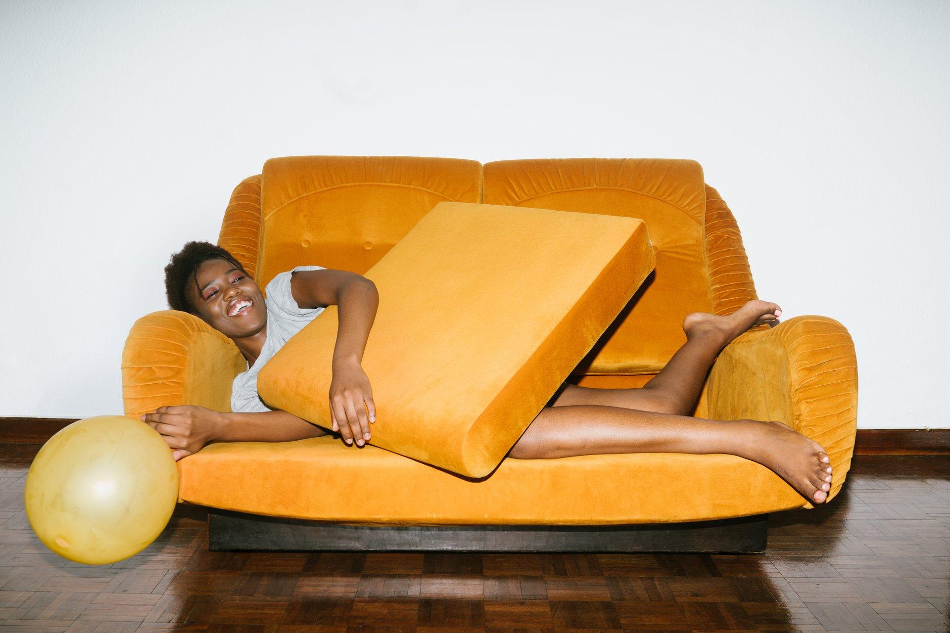 farverig og anderledes sofa