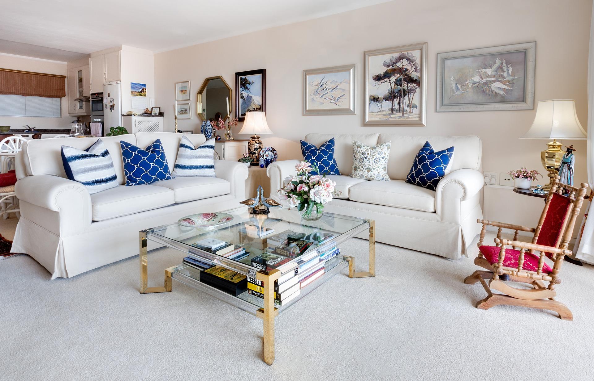 hyggelig stue med farver